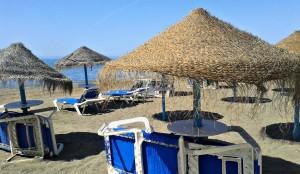 playa_sombrillas_rincon_de_la_victoria